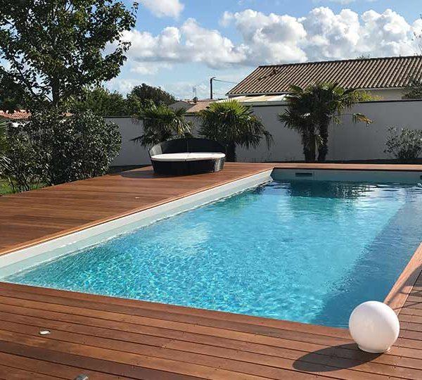 création du site d'un pisciniste basé à Royan